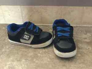 Size 9 DC shoes