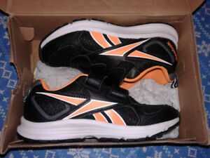 Boys Reebox Shoes Brand New Size 13