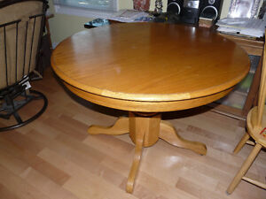 Oak table with leaf