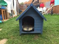 Dog kennel in good condition