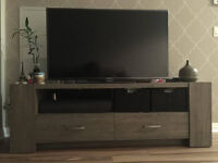 Moving - TV stand