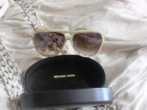 Michael KORS Sunglasses with case, new