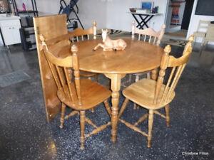 TABLE RONDE EN MERISIERS