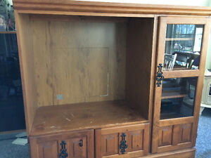 TV cabinet Cornwall Ontario image 1