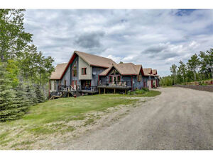 INCREDIBLE, RENOVATED ACREAGE!