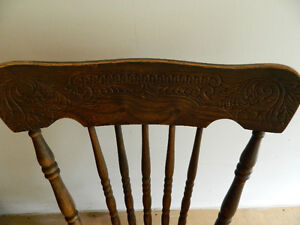 Antique barn board dining table with 4 chairs Gatineau Ottawa / Gatineau Area image 4