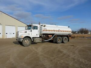 UNRESERVED PUBLIC AUCTION - HEAVY TRUCKS - FROBISHER, SK Regina Regina Area image 1
