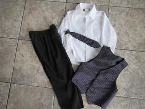 Boys size 5 Protocol 4-piece suit