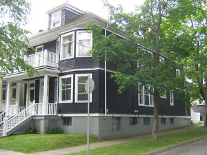 4 BDR. FLAT - SOUTHEND HALIFAX - VERY NEAR DAL - SEPTEMBER LEASE
