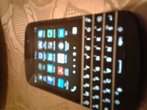 Blackberry q10 unlocked and works with freedom