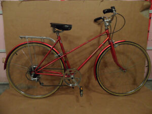 RALEIGH SPRITE 5 SPEED ROAD BIKE. COMES WITH BELL AND BACK RACK.