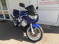 Yamaha R6 Blue/White 2002 (02) Ideal track bike project