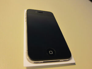 iPhone 4S - mint condition with Telus/koodo
