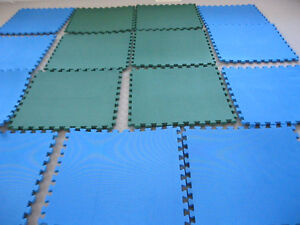 Excellent new quality, extra thick/ large ( 2ft by 2ft ),16 mats