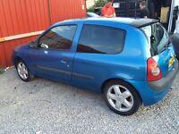 Clio 1.4 petrol manual £300