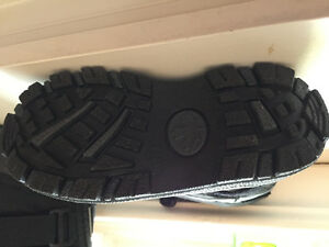 NEW winter boots - size 11boys