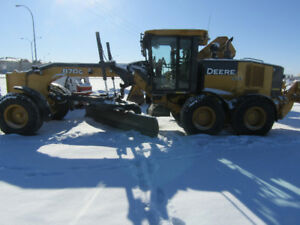 NICE 870G JOHN DEERE GRADER WITH SNOW WING AND RIPPER