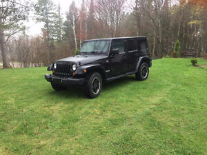 RÉDUIT*** Jeep Wrangler 2012 Altitude VUS ALL BLACK