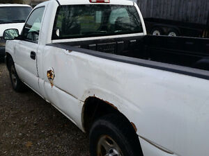 2004 GMC Sierra 1500 Pickup Truck London Ontario image 4