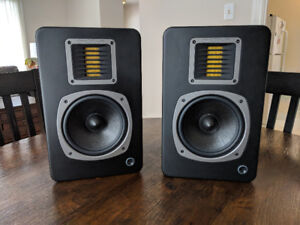 Emotiva Pro AirMotiv6 powered studio monitor speakers