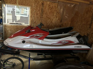 2011 Yamaha wave runner VX SPORT, almost new, 25 hours, OBO