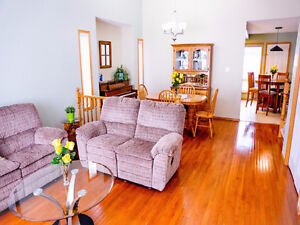 Wonderful 5 Bedroom Home in the heart of Crowsnest Pass!