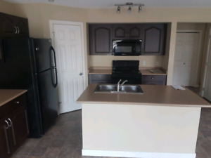 READY TO MOVE IN DUPLEX FOR RENT IN SHERWOOD PARK