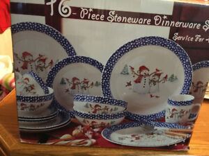 16 Piece Winterland Dinnerware Set