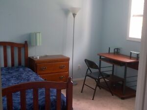 Orleans BRIGHT furnish'd 1 bedroom w/ inground heated pool!