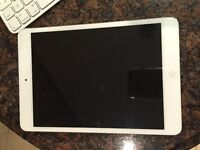 Apple iPad mini 1st Generation 16GB, Wi-Fi, 7.9in - White&Silver