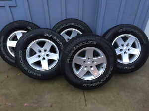 5 Jeep Tires and Rims P255/75 17 London Ontario image 1