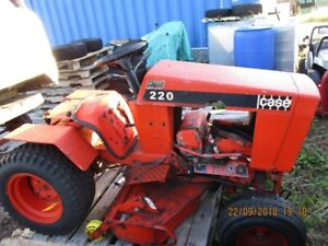 Case 200 Lawn Tractor