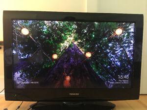 """TV TOSHIBA 32"""" (POSSIBILITÉ DECHANGE CONTRE 27-29"""")"""