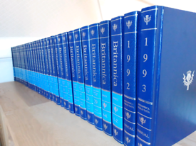 The New Encyclopaedia Britannica Full Set 15th edition 1992 33 Volumes