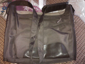 targus leather-vinyl up to 15.5  inch lap top bag