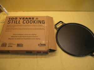 Lodge cast iron 14 inch pizza pan brand new By Lodge