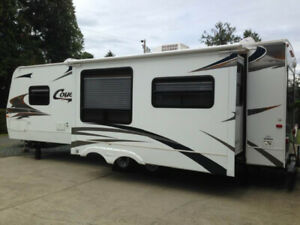 2007 Cougar 29' Travel Trailer REAR LOUNGE