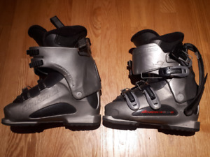 Ski Boots Nordica, TTS-W,  size 280 (6 youth or 7 1/2 women)
