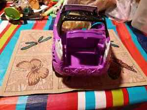 Monster high car and doll Windsor Region Ontario image 3