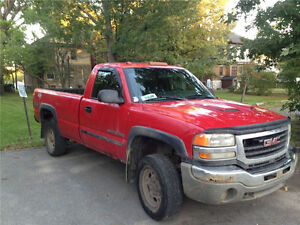 2003 GMC Sierra 2500 HD Pickup Truck