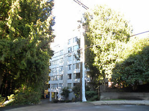 1 BEDROOM APARTMENT IN WEST VANCOUVER