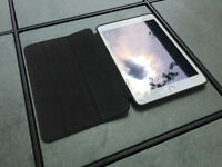 Gold iPad Mini 3 with Retina Display, Touch ID + Apple Smartcase
