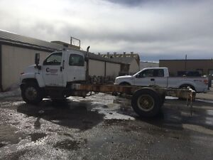 2003 GMC C8500 cab & chassis