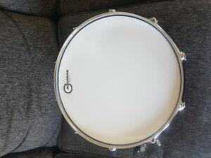 Sonor 3005 maple 14 inch snare.