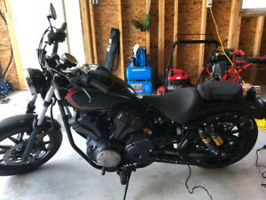 2015 YAMAHA BOLT 950 ALMOST NO KMS!!!!