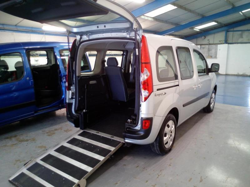2012 renault kangoo expression automatic wheelchair disabled