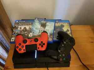 Ps4 500gb, 2 controllers 3 games London Ontario image 1