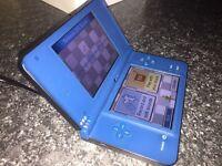 Nintendo dsi XL in blue