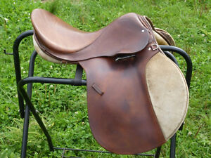 16 IN ENGLISH SADDLE IN GREAT SHAPE