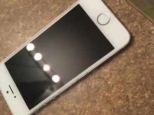 IPhone 5s UNLOCKED in great shape